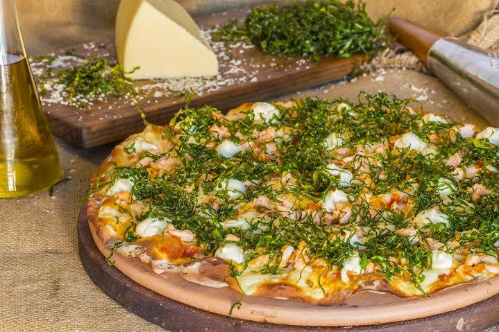Pizza Salmone da Forneria Santo Grano (Foto: divulgação)