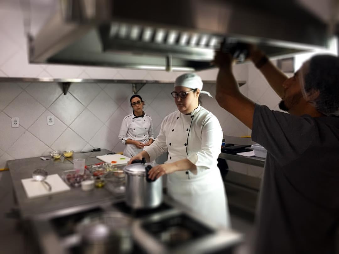 Occa promove debate sobre formação acadêmica em Gastronomia