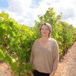 Mercadinhos São Luiz recebe embaixadora de vinícola portuguesa Cartuxa